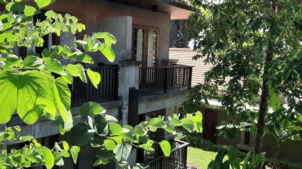 Balkon dan Taman Hotel Ketapang Indah