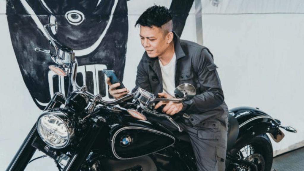 Ariel Noah Brand Ambassador BMW Motorrad R18
