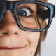 Keuntungan Membeli Kacamata SATURDAYS Secara Online